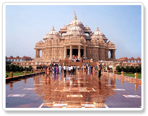 akshardham temple visit during delhi tour